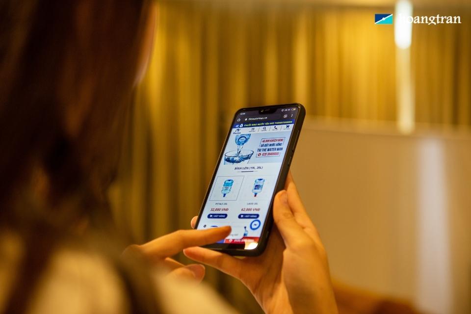 Khách hàng chủ động mua hàng và thanh toán online để hạn chế tiếp xúc
